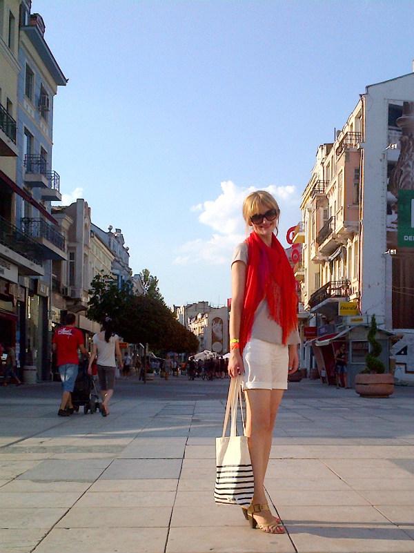 Plovdiv-20120804-00437_cr-color