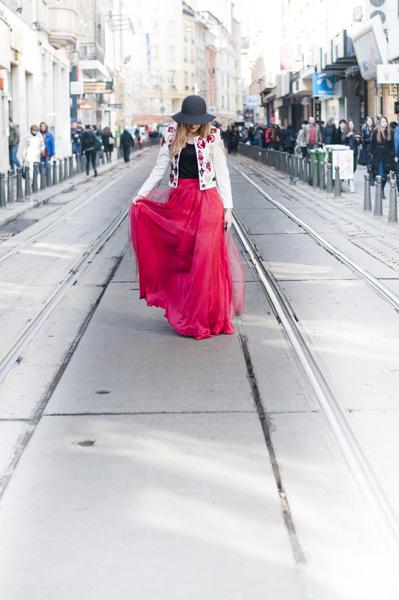 Style inspiratrice_Slavina Petrova-Red White (2)